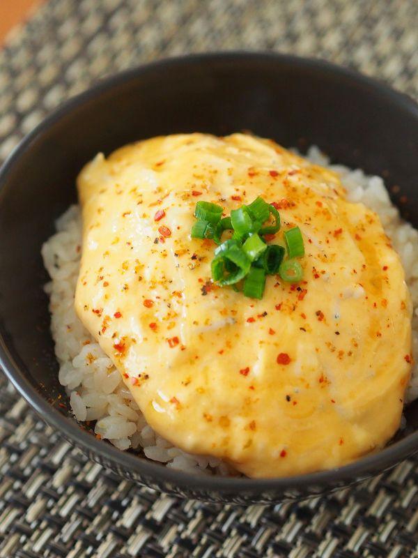 男性が喜ぶ美味しい料理を作りたいですよね。美味しくて忙しい日に嬉しい、簡単でボリューム満点などんぶりレシピを紹介します。