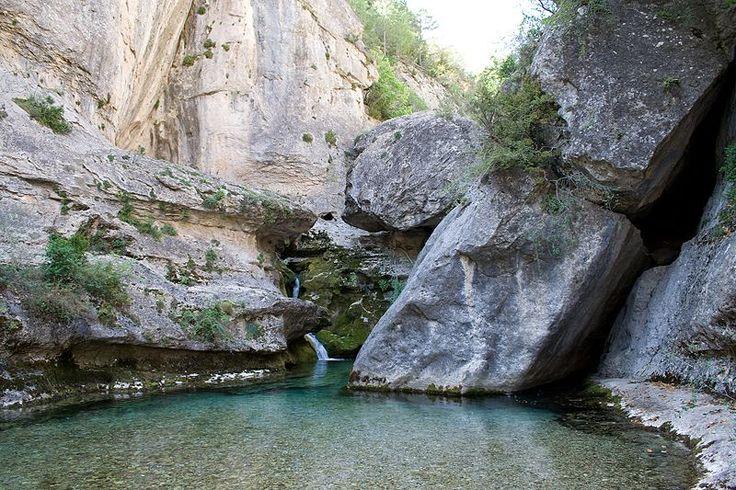 Nacimiento del río Pitarque en #Teruel