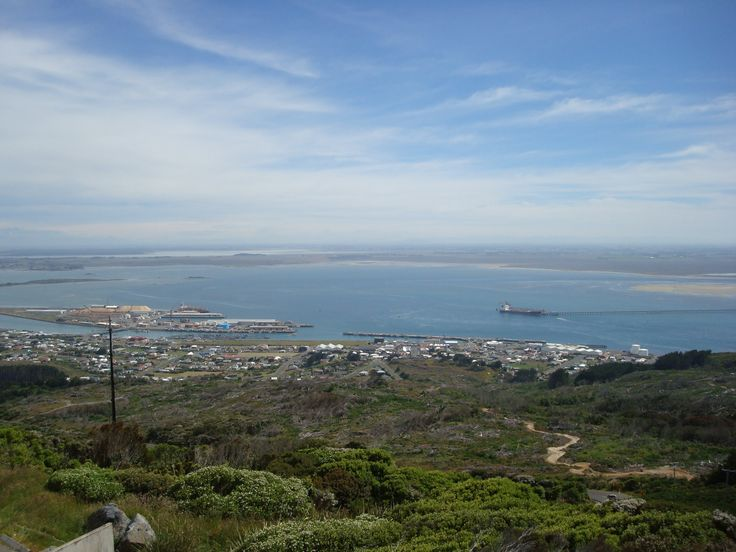 Bluff and Bluff harbour down below in the distance taken By www.silberhorn.co.nz  #travel #silberhorn #nz #roadtrip #nztravel #travelnz #nzroadtrips #southisland