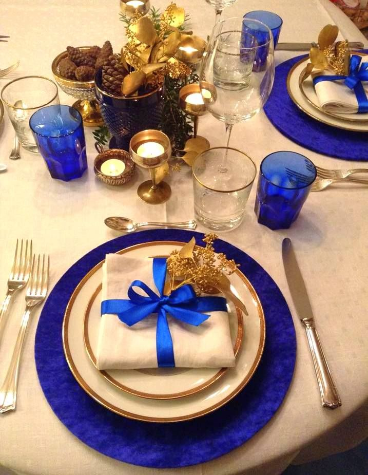 https://www.facebook.com/pages/CocoM%C3%A9ros-Larte-del-Ricevere-e-Tablescaping/604022803040134?ref=hl  Sottopiatti per la mise en place di Natale e delle Feste - visita la pagina Coco&Méros su FB