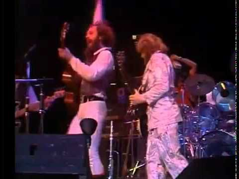 ▶ Jethro Tull Aqualung Live 1978 This tune always reminds me of my HS se class trip!