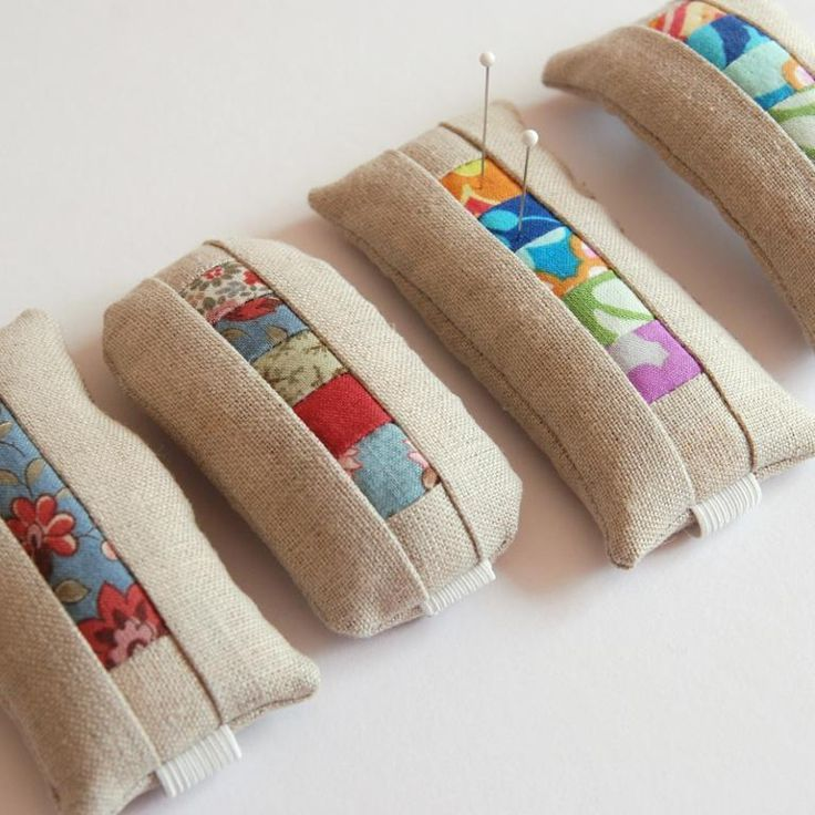 (7) Name: 'Quilting : wrist pin cushion for sewists