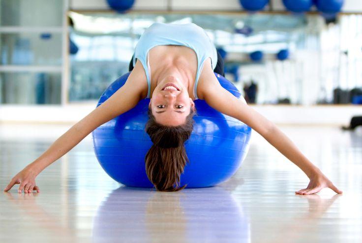Een nieuwe visie op het terugdringen van rugpijn: strek je lichaam helemaal achterwaarts. Je ruggenwervel flink naar achteren buigen, kan zorgen voor een sterke rug en de oplossing zijn bij pijn, stelt een Duitse trainingsmethode. Komende week wordt de methode in Nederland geïntroduceerd. gezondNU hulde zich in sporttenue en nam een kijkje: wat doet deze …