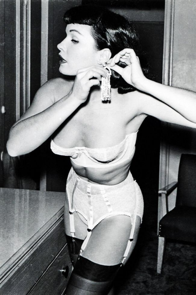 Bettie Page, 1950s - 50 Vintage Fashion Photos That Show How Awesome People Used To Dress  Best of Web Shrine