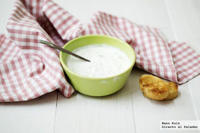Las salsas y aderezos pueden ser causantes de desequilibrios nutricionales y de excesos calóricos en muchos platos, sin embargo, también pueden s...