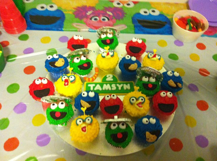 Sesame Street birthday cakes (Elmo, Cookie Monster, Oscar the Grouch, Big Bird . . . & Slimey)