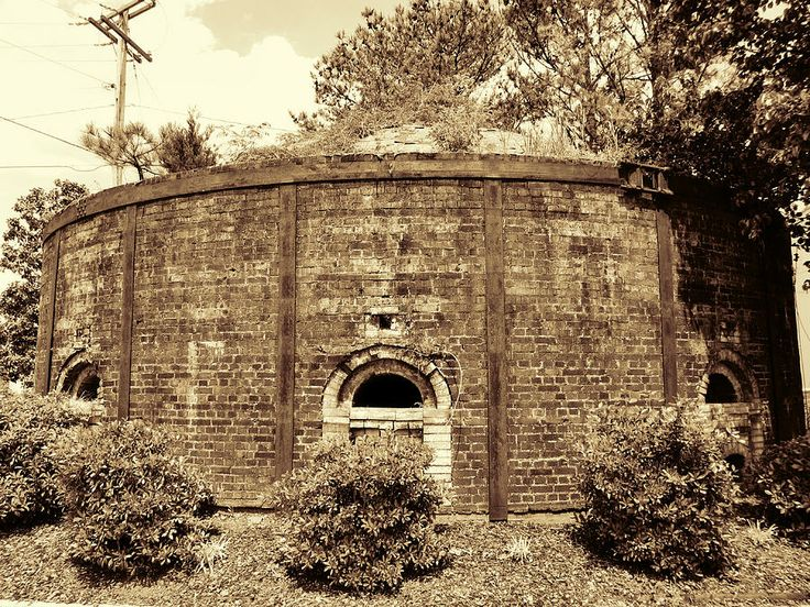 Circa 1800 brick kiln oven known as a beehive decatur for Home builders decatur al