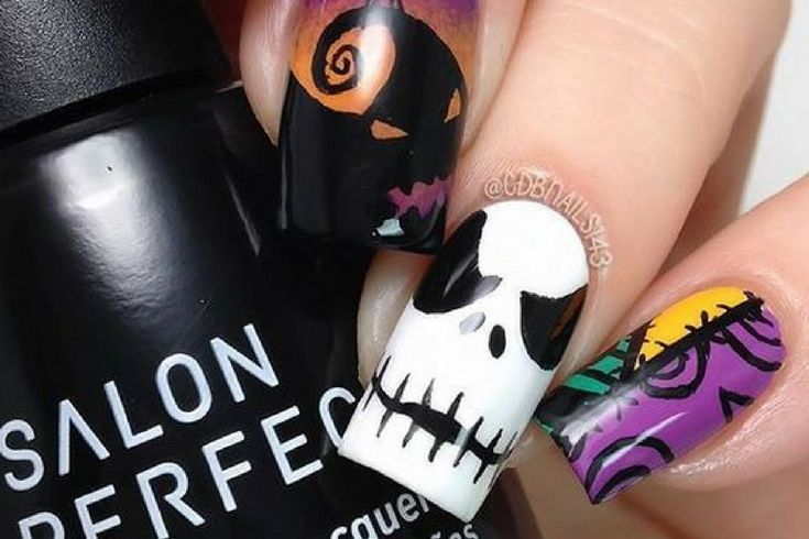 Τύπωσε σχέδια στα νύχια σου για το φετινό Halloween 🎃 στο κατάστημα Lolipop!