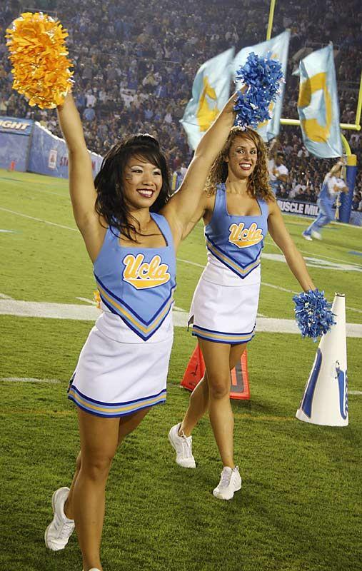 hot-blonde-college-cheerleader-paulydnudefake