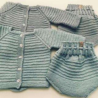 https://www.ravelry.com/patterns/library/baby-gift