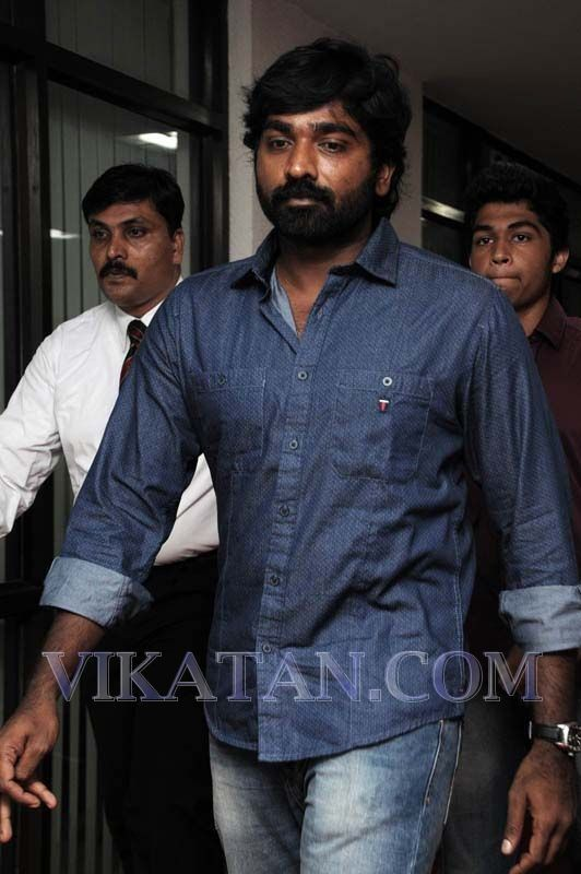 Vijay Sethupathi at Vijay Awards 2013