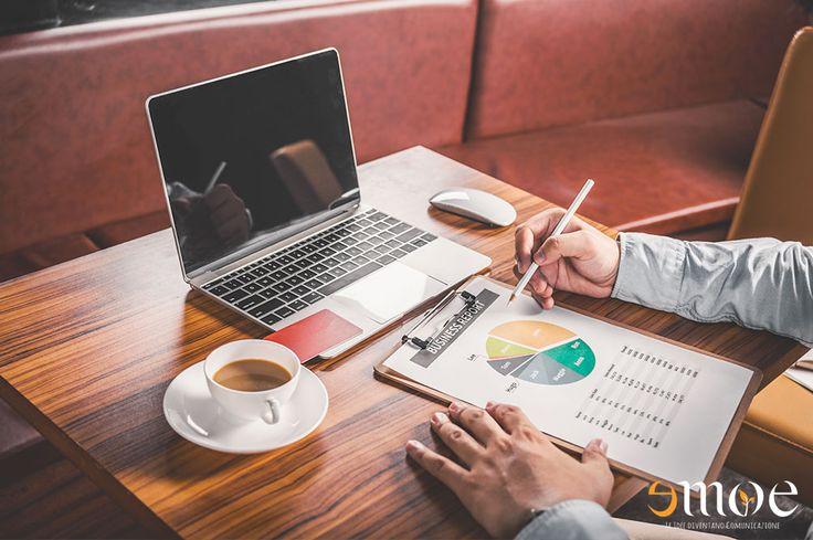 Le piccole imprese dovrebbero fare marketing online? Certo che si Il marketing online è diventato ormai molto importante per tutte le aziende che vogliono fare business online. E questo è vero anche per le piccole imprese! #marketingonline #webmarketing #seo
