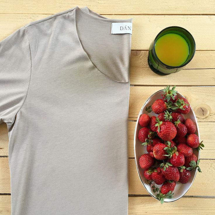 """Florence"" golden beige  #breakfast #monday #week #newday #morning #juice #orange #strawberries #tshirt #beige #potd #motd #menswear #menstyle #dantemenswear #men #dantemen #madeformen #ss16 #summer"