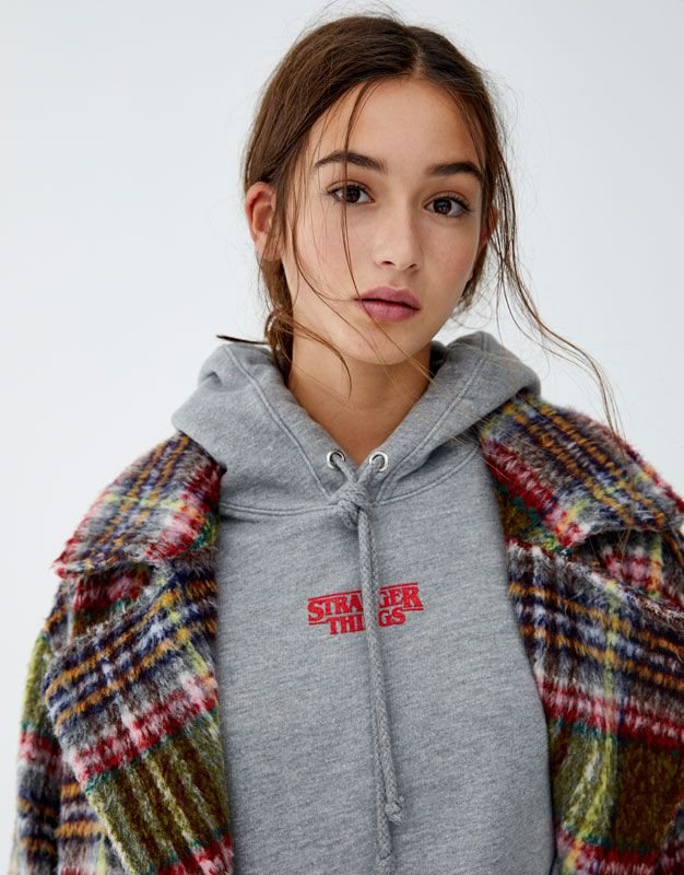 ffe7950bbf Netflix Stranger Things  Palace Arcade  hoodie - pull bear ...