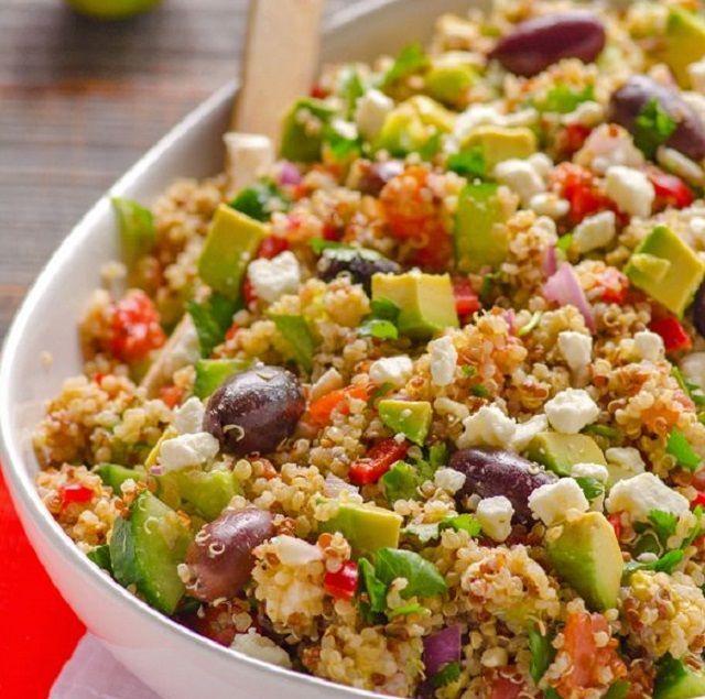 Ensalada de quinoa mediterranea:  #ensalada #quinoa