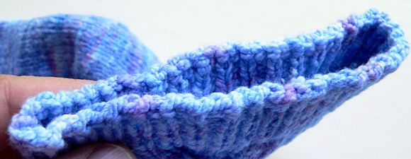 Jeny's surprisingly stretchy bind off - fantastic for BO ribbing on top down hats and arm cuffs