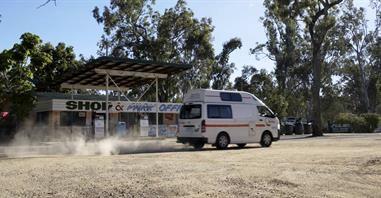 Campervan Hire Australia | Britz Campervans and 4WDs