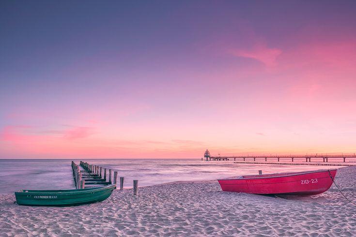 Einsame Stille (Zingst / Darß), Boot, Buhne, Dämmerung, Fischland, Küste, Ostsee, Seebrücke, Sonnenaufgang, Strand, Wellenbrecher, Zingst