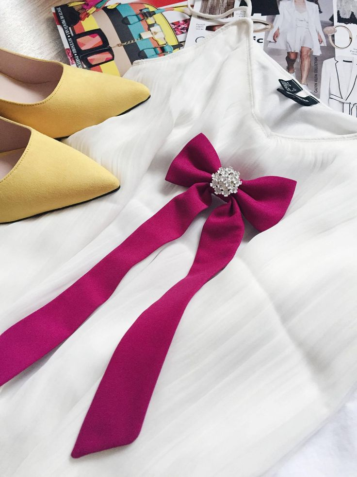 Specially designed womens bow tie ( by Vania Szasz ) for one of her customers. #woman #bowtie
