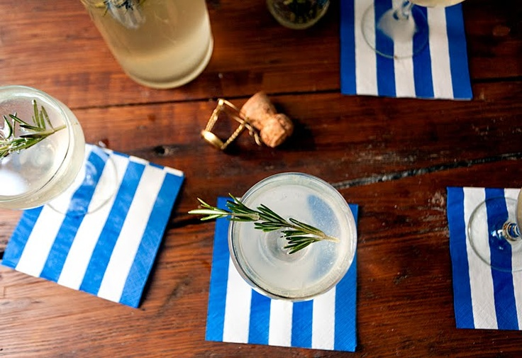 rosemary gin fizz [via a cup of jo] | mixed, shaken, stirred | Pinter ...