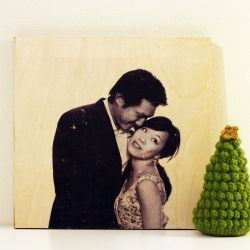 Transfer your photos to wood with this easy tutorial.Gel Medium, Wood Block, Wood Transfer, Gift Ideas, Photo Transfer, Photos Transfer, Diy Gift, Crafts, Transfer Photos