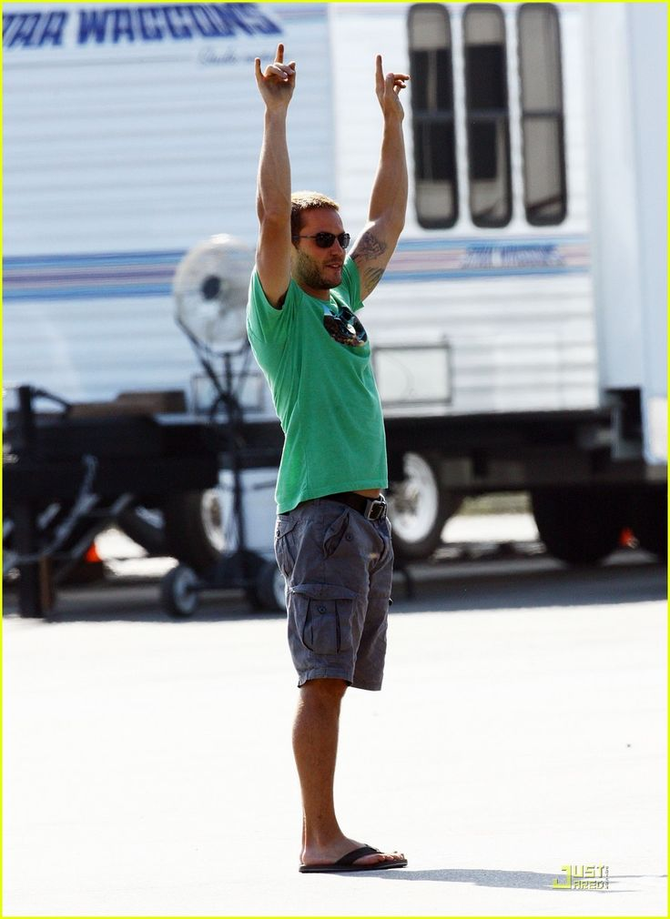 Blake Lively: 'Savages' Set with Taylor Kitsch!