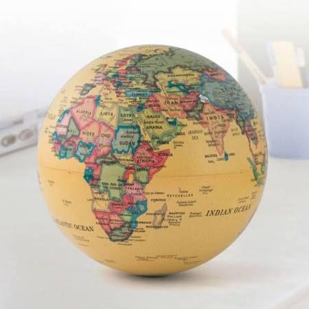 1000 ideas about le globe terrestre on pinterest globe terrestre worldmap and globes. Black Bedroom Furniture Sets. Home Design Ideas