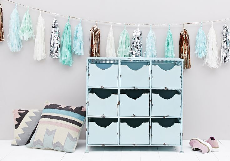 Declutter this Spring with fresh, sky blues and lighter hues
