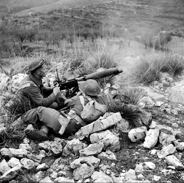 New Zealand troops fire on Axis positions during the Second Phase of the Battle of Monte Cassino. Pin by Paolo Marzioli
