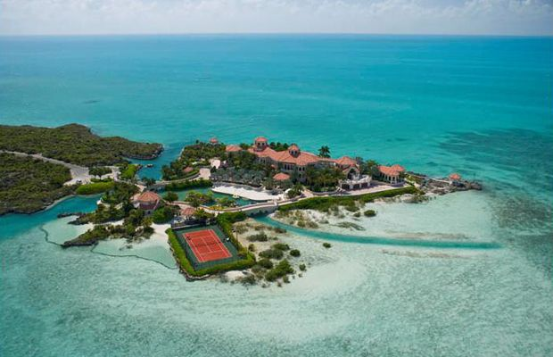 If we had $ 45M. This remote Turks and Caicos Islands home would be the ultimate getaway. It can be accessed by water or remote controlled swing bridge. #dreamhomeCaicos Islands, Islands Retreat, Dreams House, Private Islands, Turks Caicos, Emeralds Cay, Tennis Court, Swings Bridges, Caicos Villas