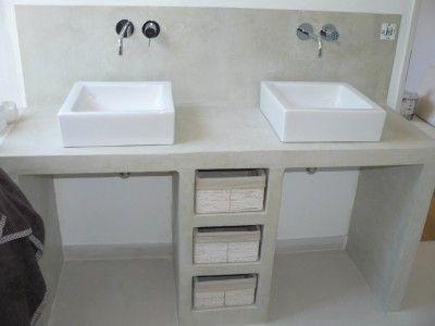 Plan vasque peut être bien avec corbeille à linge sous chaque vasque
