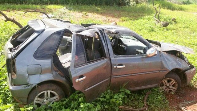 #News  Após fazer uso de Crack, jovem capota veículo na MG 181, próximo a João Pinheiro