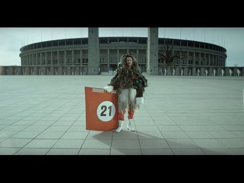 DE ALTERNATIEVE MUZIEKMAN: BONAPARTE - FYA (Official Video)