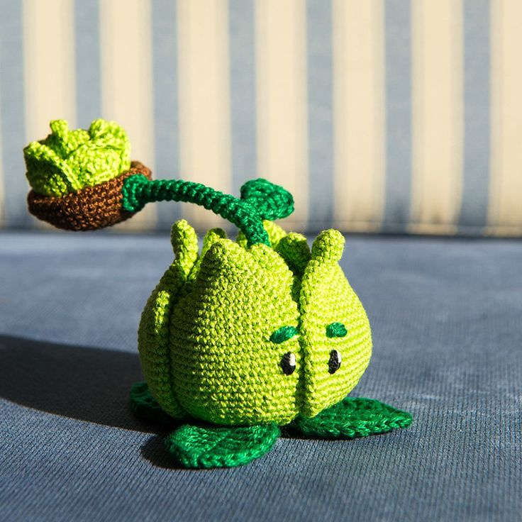 "Cabbage-pult from ""Plants vs Zombies"". 3 weeks of development. Released 1 week ago! - Imgur"