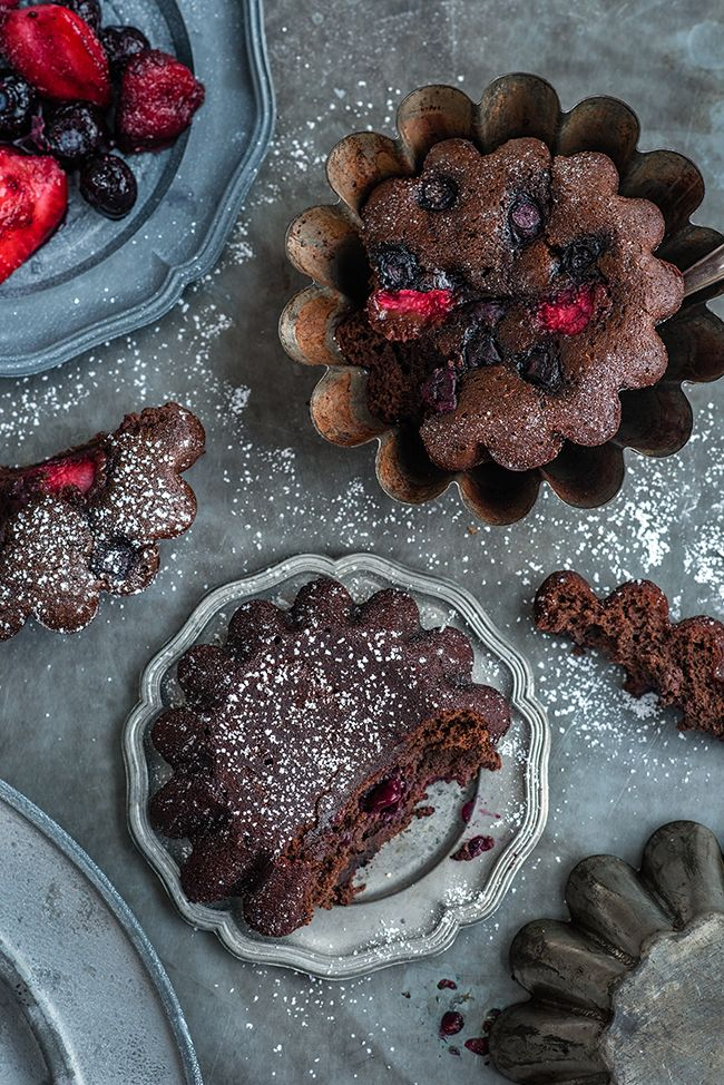 Black bean brownies with red berries - naturally gluten free, low in fat, high in fibre... and delicious with it!   |  Supergolden Bakes