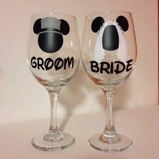 Bicchieri personalizzati per brindisi degli sposi con Minnie e Topolino Disney. Wedding glasses. #wedding #disney