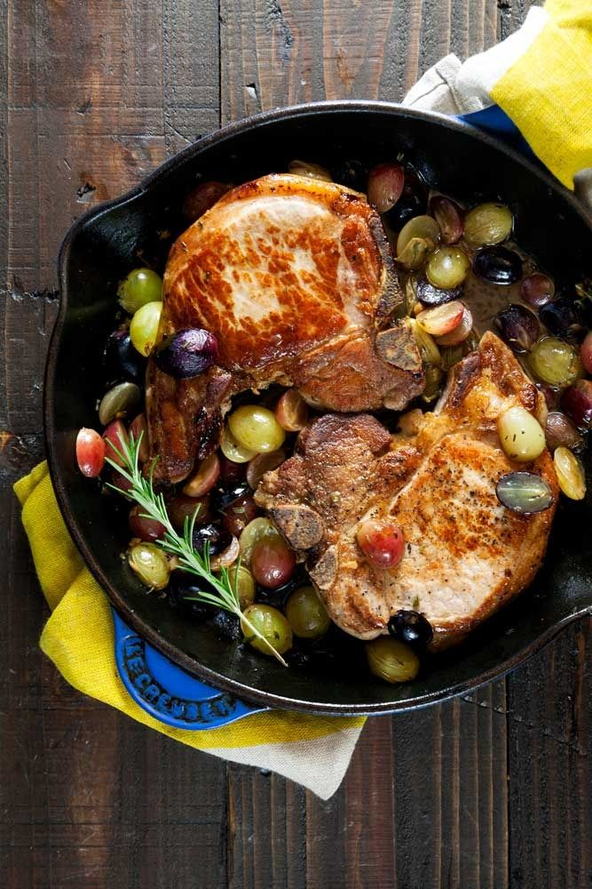 Whole 30 Pan Roast Pork Chops with Grapes. Plus my fool-proof method for cooking seriously juicy pork chops!