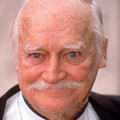 Richard Farnsworth - Gone but not forgotten.......kinda looks like Mr. Russell.....doesn't he??