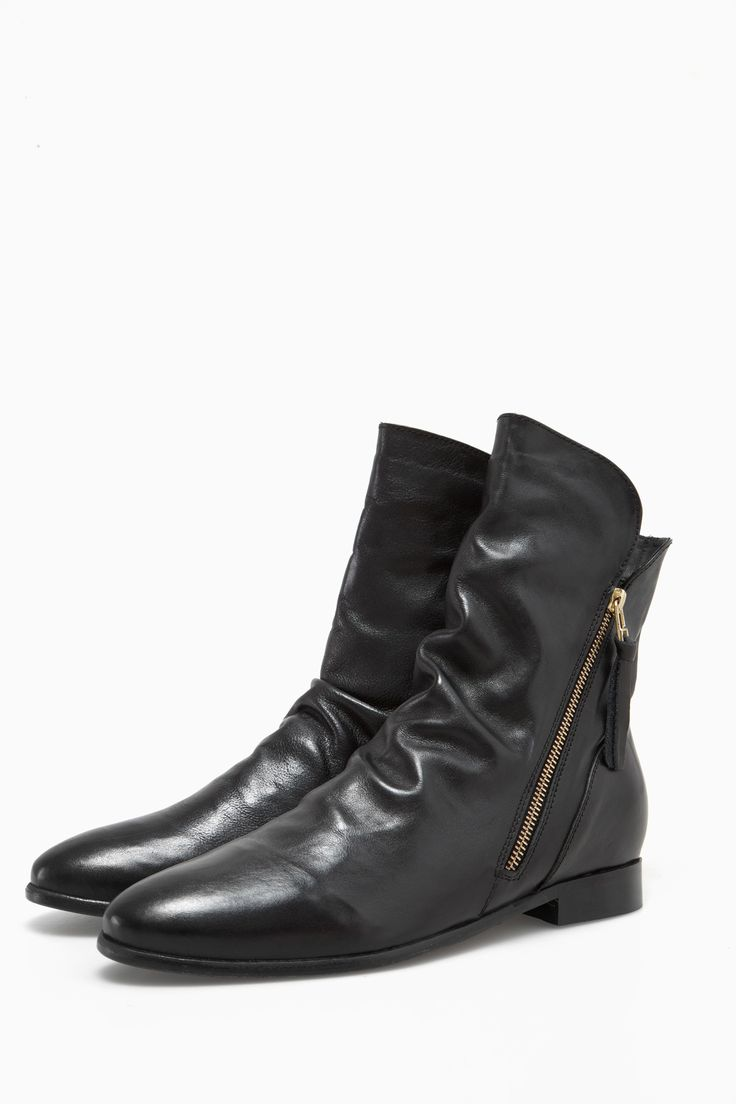 Textured Leather Boots With Side Zip - dash of red | Adolfo Dominguez shop online