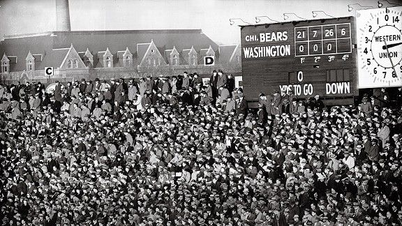 Scoreboard during the Chicago Bears vs Washington Redskins game. Final score 73-0 (1940)