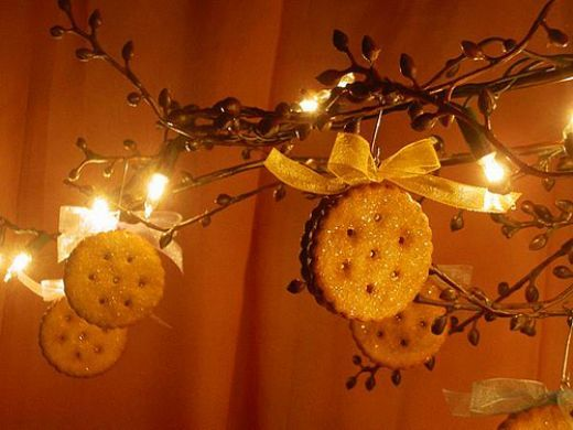 Cute craft for kids...sugar cookie ornaments!