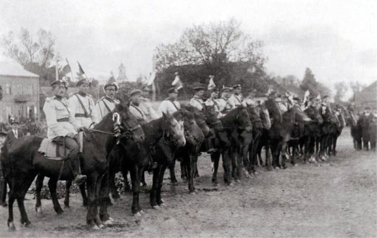 Volunteer cavalry Major Felix Jaworski in Mordy liberated from the Bolsheviks.