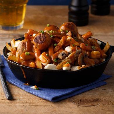 Poutine aux boulettes de viande de canard hachée du lac Brome, sauce au bourbon - Recettes - Cuisine et nutrition - Pratico Pratique