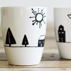 Make these fun and easy hand painted mugs as a personalized gift for the holidays!