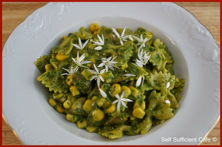 Self Sufficient Cafe: Pasta with Wild Garlic Pesto