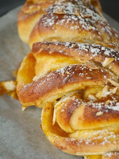 peach flip sweet bread treccia con confettura di pesche