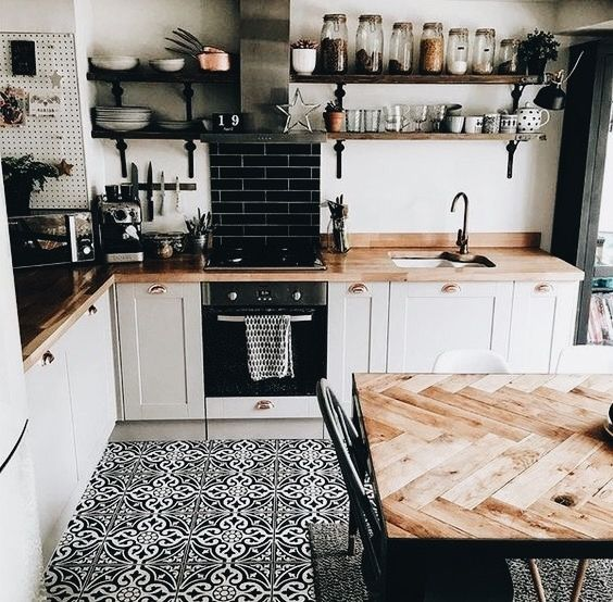 Farmhouse style kitchen | apartment kitchen | tiles | wood counter tops | country
