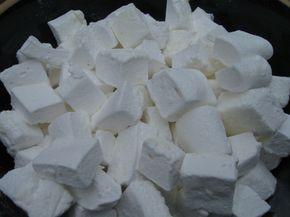 A pillecukor finom édesség, de miért vennéd meg, ha te is elkészítheted? Ez egy kis adag, ha többet szeretnél készíteni, csak duplázd meg az alapanyagok[...]