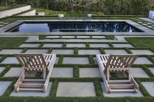 Love this modernist pool