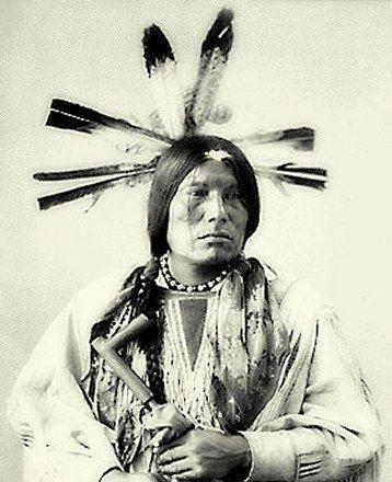 Man Packs The Eagle - Whoe A Ke ( Cuthead Sioux )